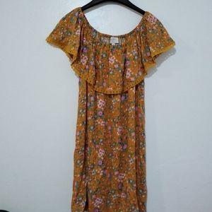 NWT Everly Cold Shoulder Floral Dress